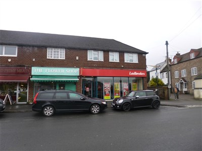 RETAIL/RESIDENTIAL INVESTMENT OPPORTUNITY IN STONEHOUSE